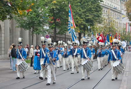 ZURICH - AUGUST 1: Swiss National Day parade on August 1, 2011 in Zurich, Switzerland. Zurich city orchestra opening the parade. Stock Photo - 14148815