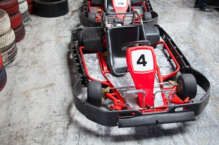 carting: Indoor karting race (2 kart and safety barriers)
