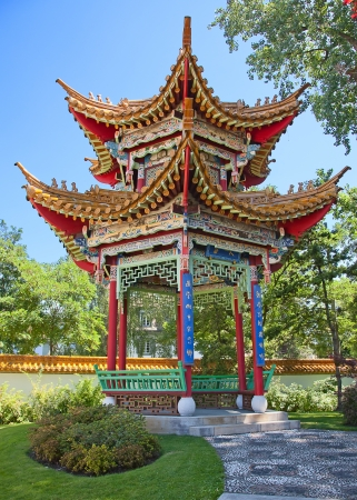 pavilon: Traditional chinese garden with pavilon of harmony Stock Photo