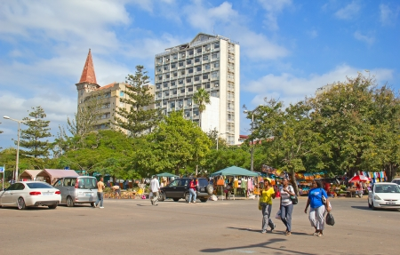 Mozambique: MAPUTO, MOZAMBIQUE – APRIL 29: Unidentified people on the saturdays Market in Maputo, Mozambique on April 29, 2012. The local market is popular amoung locals and is one of the tourists attraction of the city.