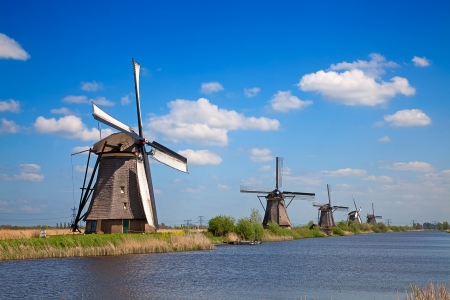 Ancient windmils near Kinderdijk, Netherlands 免版税图像