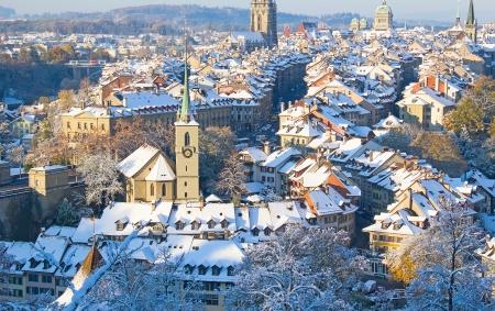Bern stad bedekt met verse sneeuw Stockfoto