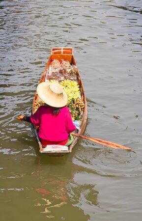 saduak: Damnoen Saduak floating market in Ratchaburi near Bangkok, Thailand Stock Photo