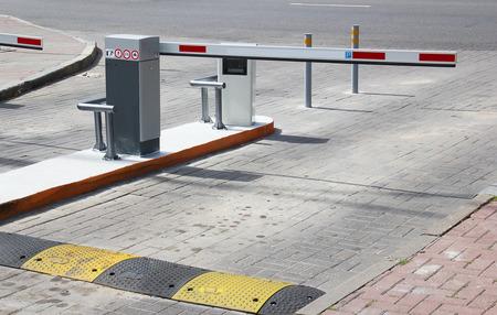 주차장에 장벽 스톡 콘텐츠