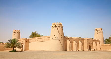 desert oasis: Famous Jahili fort in Al Ain oasis, United Arab Emirates