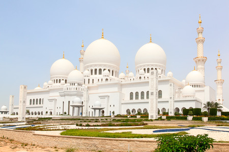 Famous Sheikh Zayed mosque in Abu Dhabi, United Arab Emirates 新闻类图片
