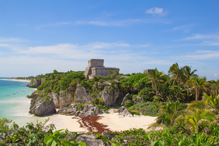 Ruins of the Mayan fortress and temple near Tulum, Mexico 免版税图像