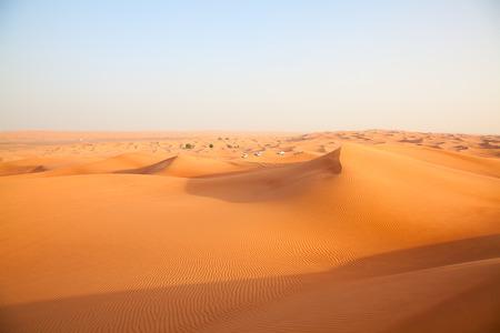 """desierto: Arena roja """"desierto de Arabia"""", cerca de Dubai, Emiratos �rabes Unidos Foto de archivo"""