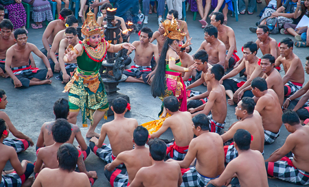 DENPASAR - JULY 27: Traditional Balinese Kecak dance shown in Denpasar, Bali, Indonesia on July 27, 2010. Kecak (also known as Ramayana Monkey Chant) is very popular cultural show on Bali 新闻类图片