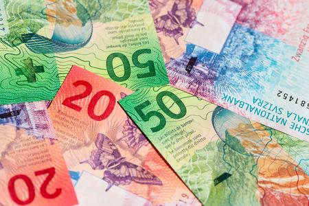 (2017 年に発行) 新しいスイス紙幣のコレクション