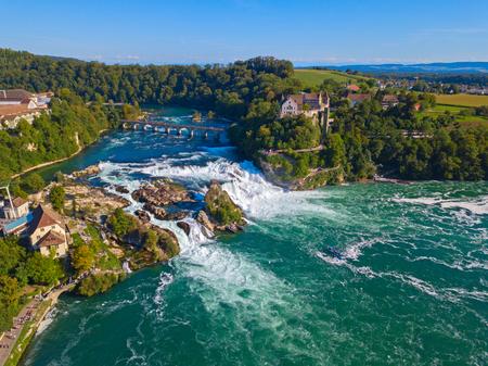Rheinfall - la plus grande cascade d'Europe
