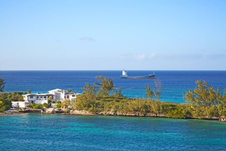 Cabbage beach on Paradise island in Nassau, Bahamas Banco de Imagens - 132114319