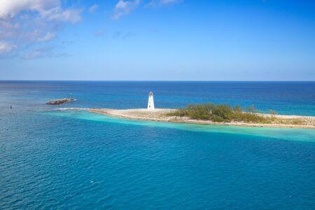 Cabbage beach on Paradise island in Nassau, Bahamas Banco de Imagens - 132114915