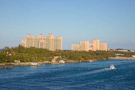Cabbage beach on Paradise island in Nassau, Bahamas Banco de Imagens - 132115338