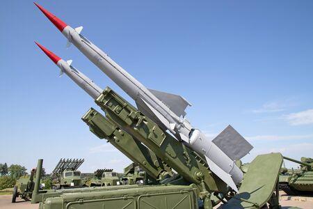 Sistemas antiaéreos tierra-aire soviéticos en la exposición militar Foto de archivo