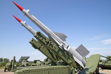 Sowjetische Boden-Luft-Flugabwehrsysteme auf der Militärausstellung Standard-Bild