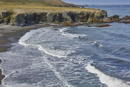 ocean waves: ocean waves southeastern coast iceland