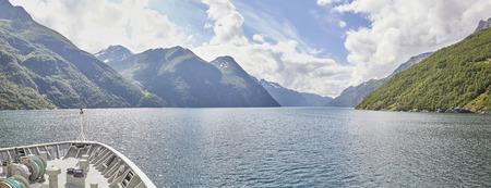 Fjordland auf dem Weg Geiranger, Hurtigruten, Norwegen