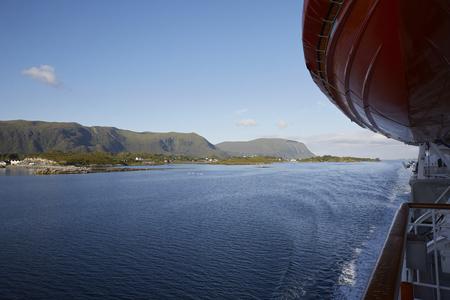 Auf dem Weg mit Hurtigruten Schiff