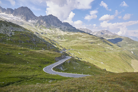 Furka Pass Swiss Alps in sunny summer Banque d'images