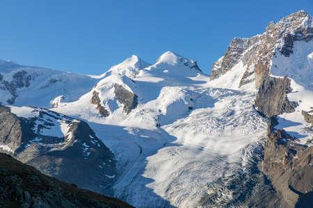 Matterhorn and Riffelsee in Zermatt Switzerland Imagens