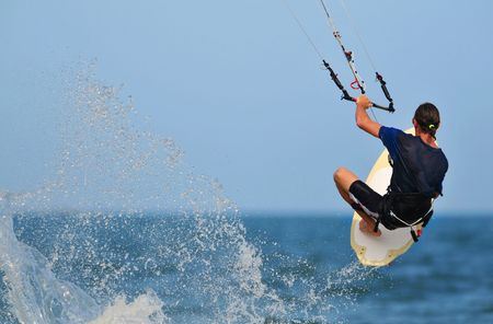 kitesurfen: Kite surfer actie geschoten in Phan Thiet  vietnam Stockfoto