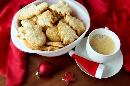 Christmas tree Cookie and coffee cup. Imagens