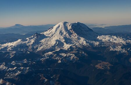 Mt Raineir welcomes flights from the east into Seattle