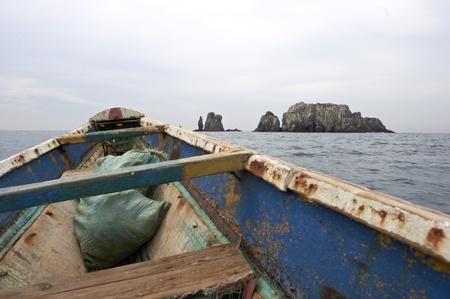 다카르 오프 아프리카 통나무 배 카누 항해