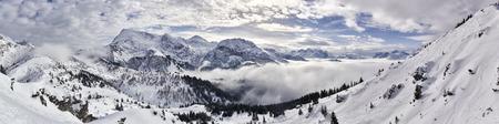 장엄한 겨울 산 파노라마