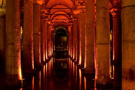 cisterna: Estambul, Turqu�a - La cisterna subterr�nea
