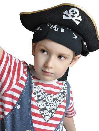 白で隔離される海賊の衣装を着てかわいい男の子