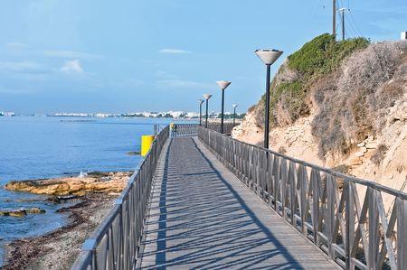 海で午前中は、リマソール、キプロスの歩道