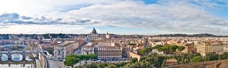 ローマ、ペテロ大聖堂、St.Angels 城から航空写真ビューのパノラマ 報道画像