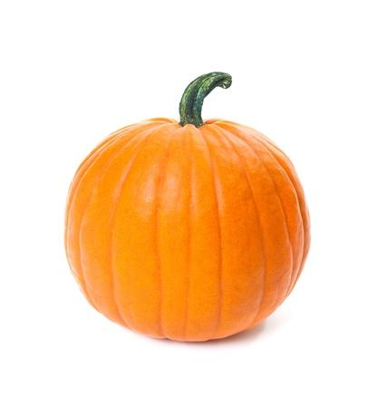 citrouille halloween: orange citrouille isol� sur fond blanc