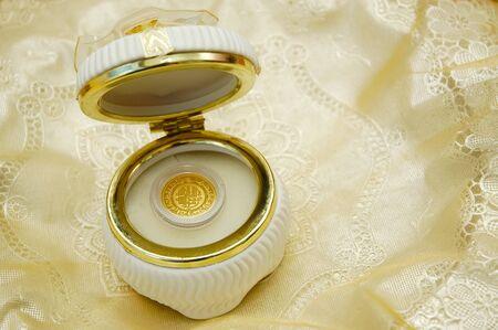 dinar: dinar gold in decoration case