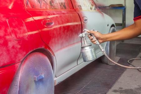 Auto Malerei an konventionellen Garage Standard-Bild - 23871798