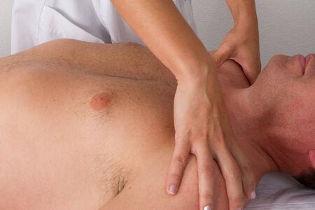 tuina: shoulder massage