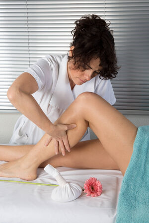 massage jambe: Massage des jambes