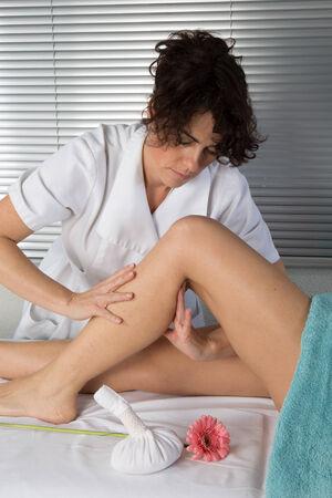 massage jambe: massage de la jambe