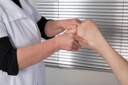 acupressure: Acupressure massage for a man