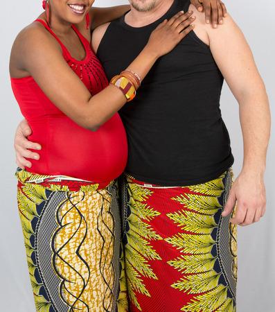poronienie: Piękny i miły w ciąży kobieta afrykańskiego, tradycja i Afryka