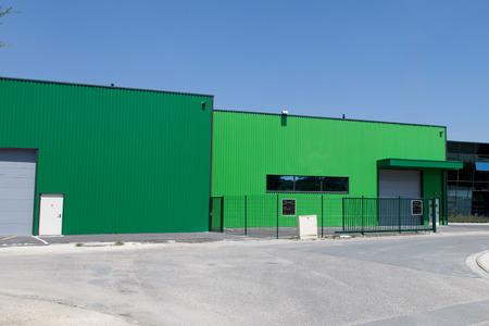 The exterior of a modern warehouse Redactioneel