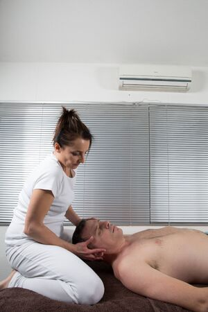 shiatsu: Shiatsu massage by a therapist