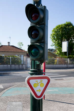 rectilinear: New Sign of bicycle lane in France