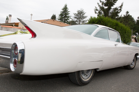 50s: American car from the 50s on wedding day