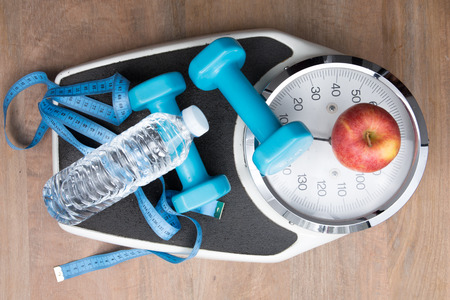 loose: Scale, water and sport to loose weight