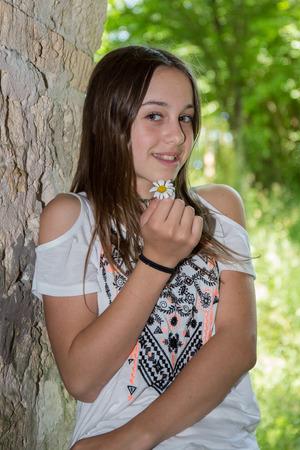 886db09b5806 Chica Muy Hermosa Joven De 12 Años De Edad Fotos, Retratos, Imágenes ...