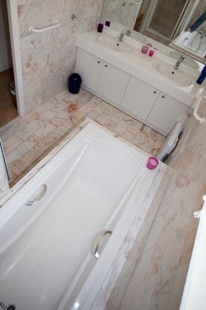 washroom: Washroom