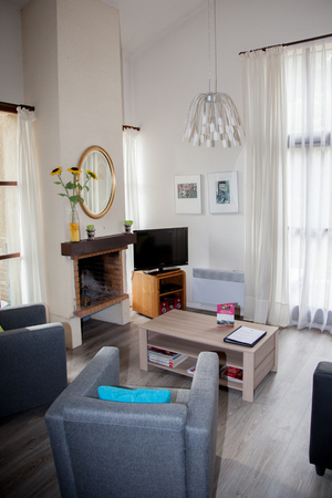 entresol: Beautiful and a cosy bright living room